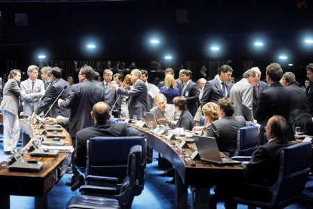 Senadores durante a votação do projeto sobre empregado doméstico (foto: Ag. Senado)