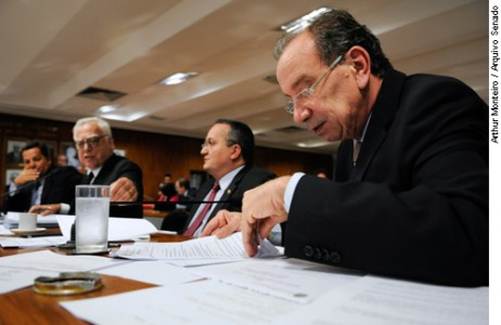 Cmclf - comissão mista de consolidação da legislação e regu