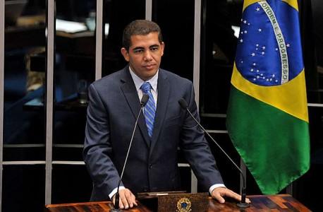 Deputado Miguel Corrêa, relator do orçamento que definiu novo salário mínimo (foto: Câmara dos Deputados)