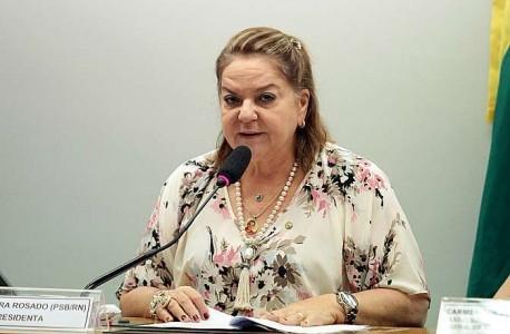 Deputada Sandra Rosado: parecer favorável à redução da contribuição (foto: Viola Jr./Câmara dos Deputados)