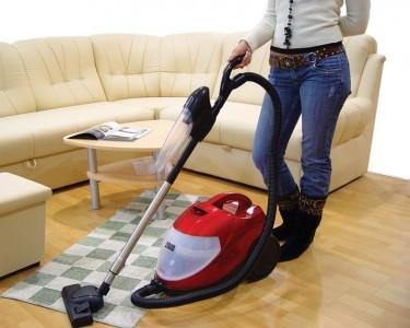 Empregados domésticos: 3 estados decidirão valor do piso nos próximos meses